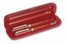 Ручка и перо в деревянной коробке